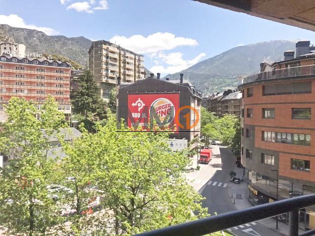 Pis de lloguer a Andorra la Vella, 3 habitacions, 90 metres